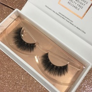 Lashes - Steal the Show