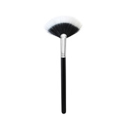 M497 Duo Soft Fan Brush